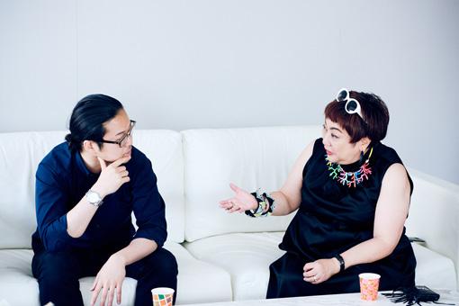 左から:反田恭平、湯山玲子