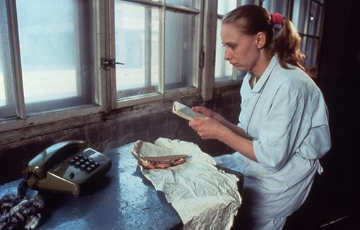 『マッチ工場の少女』(1990年) ©Villealfa OY