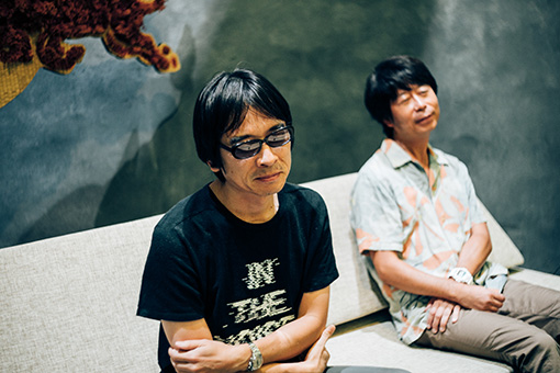 左から:YO-KING、桜井秀俊