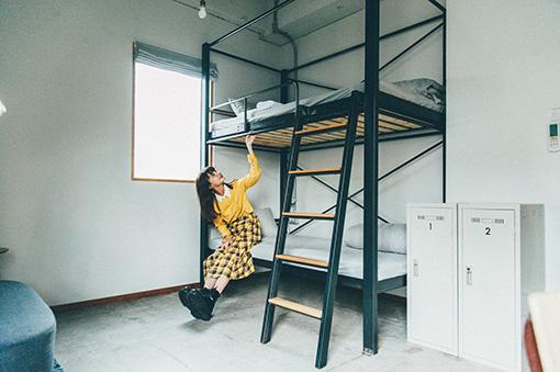 二段ベッドが配置されたツインルームも