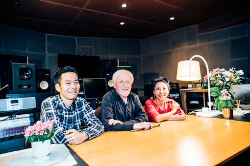 左から:佐藤良成、パディ・モローニ、佐野遊穂