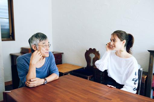 左から:高橋源一郎、山田由梨(贅沢貧乏)