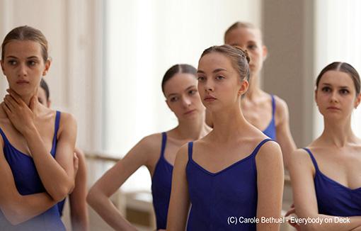 映画『ポリーナ、私を踊る』場面写真 / レッスンを受けるポリーナ
