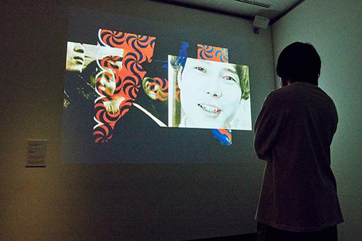松本俊夫『つぶれかかった右眼のために』 / マルチプロジェクションで映像を重ねた作品(本展示では複数の映像をデジタル統合して投影している)