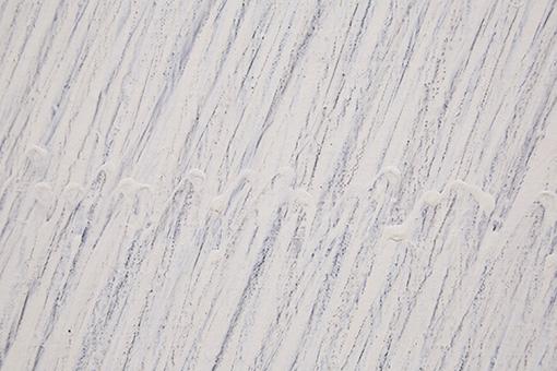 パク・ソボ(朴栖甫)『描法 No.27-77』(1977年)部分 / 下地の白が乾かないままの状態で鉛筆の線が描かれている