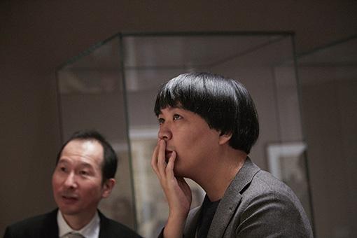 左から、野口玲一(三菱一号館美術館 学芸員)、中村佑介