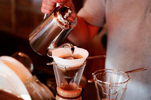 取材時にも、L PACK.がおいしいコーヒーを淹れてくれた