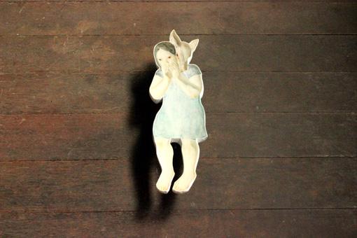 石膏に残った凹面に樹脂を流し込んで作られる、中谷ミチコの作品