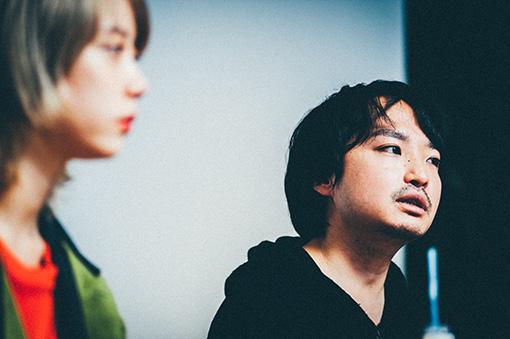 左から:SUMIRE、宇賀那健一監督