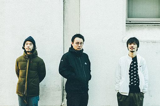 左から:矢向怜(Ba)、西川隆太郎(Key)、石橋光太郎(Gt)
