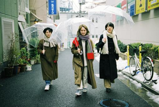 左から:渡辺朱音、真舘晴子、和久利泉