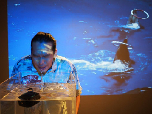 『IAFT』が参加した台湾『OSMOSIS fest』での韓成南のアートパフォーマンス『人間を演じるということについて』