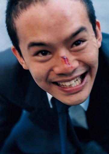 宮本浩役を演じる坊主姿の池松壮亮 / ©「宮本から君へ」製作委員会