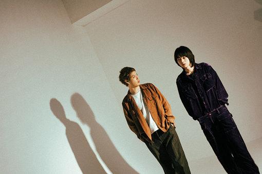 左から:渡辺大知、菅田将暉