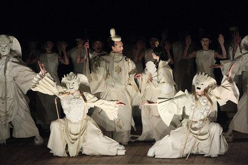 『マハーバーラタ ~ナラ王の冒険~』(2012年) / 舞台芸術公園 野外劇場での公演より ©日置真光
