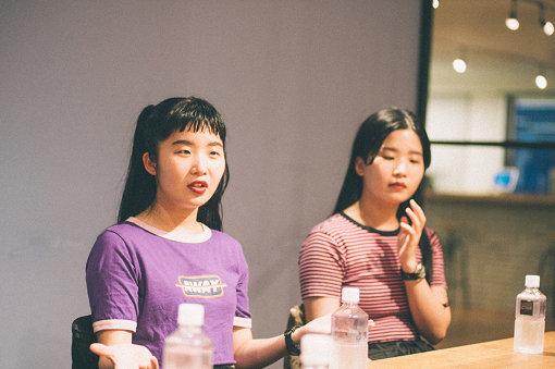 左から:マナ、カナ
