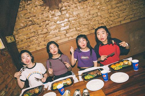 左から:ユウキ、カナ、マナ、ユナ