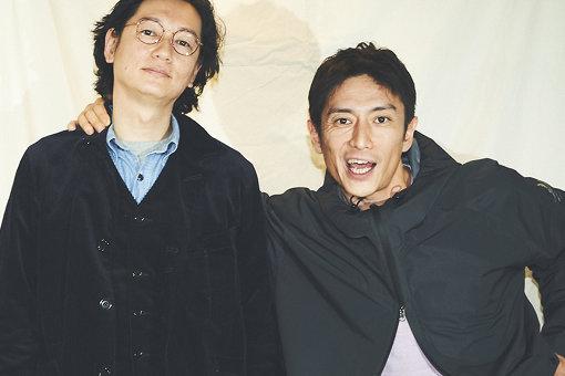左から:井浦新、伊勢谷友介