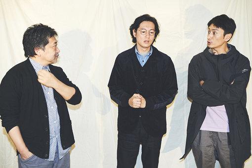 左から:是枝裕和、井浦新、伊勢谷友介
