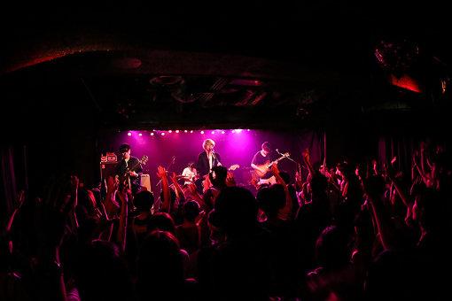 2017年7月30日に広島4.14で開催されたワンマンライブより / 撮影:藤井秀吉