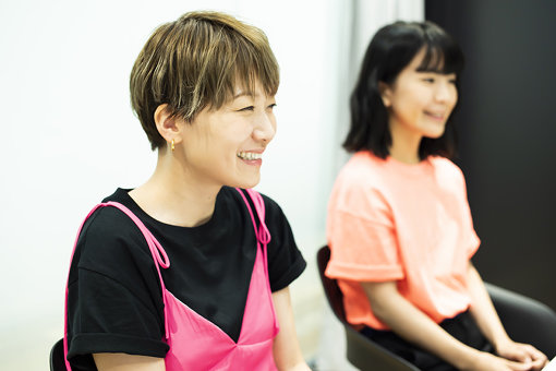 左:福岡晃子