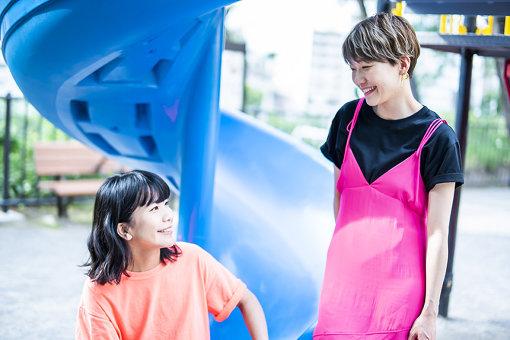 左から:橋本絵莉子、福岡晃子</p>