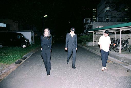 左から:Naomi、Jan、長岡亮介