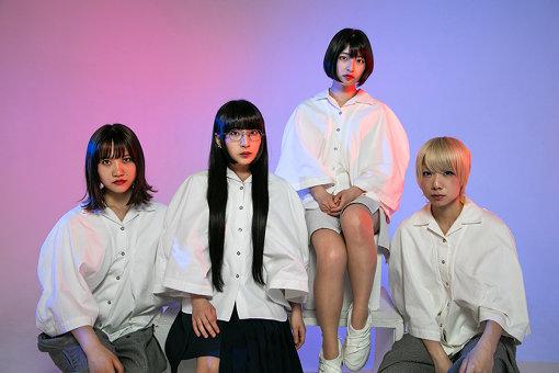 Maison book girl 左から:井上唯、和田輪、矢川葵、コショージメグミ