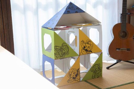 キナコがアースダンボール社と作ったキャットハウス