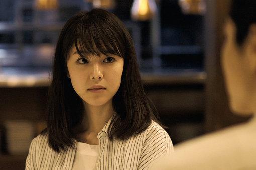唐田えりかが演じた、ヒロインの朝子 / 『寝ても覚めても』©2018 映画「寝ても覚めても」製作委員会 / COMME DES CINÉMAS