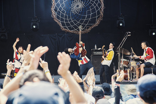 jizue。『FUJI ROCK FESTIVAL '18』にて