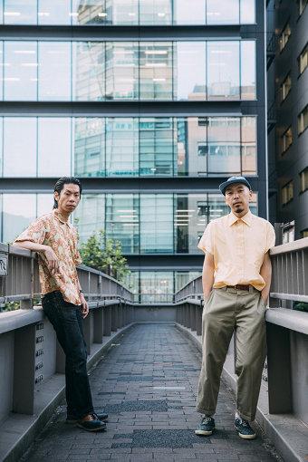 左から:呂布カルマ、下岡晃(アナログフィッシュ)