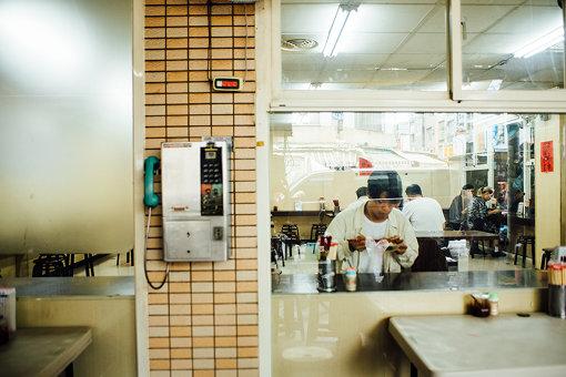 分厚い豚肉が乗った「南豐滷肉飯」の絶品魯肉飯