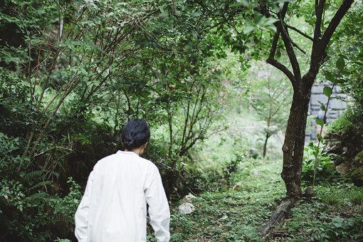 高木が案内してくれた、自宅の裏にある森