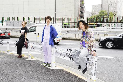Tempalay(左から:AAAMYYY、藤本夏樹、小原綾斗)