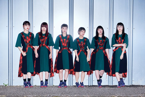BiSH(左から:アイナ・ジ・エンド、アユニ・D、リンリン、モモコグミカンパニー、セントチヒロ・チッチ、ハシヤスメ・アツコ)