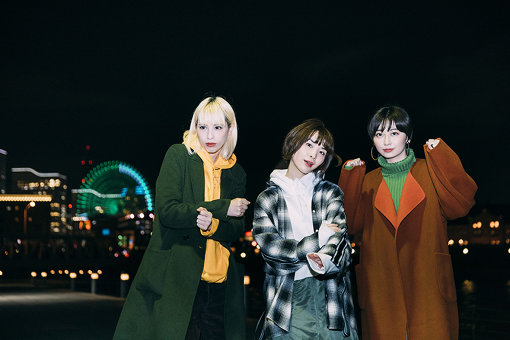 左から:Rachel、蒼山幸子、Mamiko