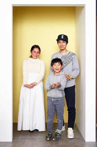 左から:よしいちひろ、小1男子(佐藤ねじの息子)、佐藤ねじ