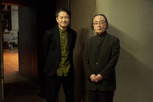 左から:白井晃(KAAT 神奈川芸術劇場 芸術監督)、一柳慧(神奈川芸術文化財団 芸術総監督)