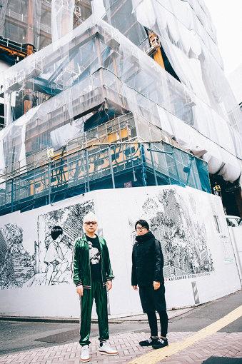 建て替え工事中の新生渋谷パルコの前にて