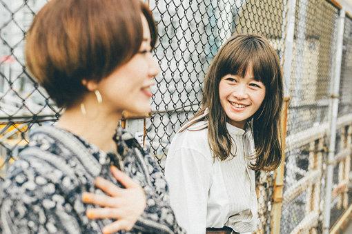 NakamuraEmi(なかむらえみ)<br>神奈川県厚木市出身。1982年生まれ。山と海と都会の真ん中で育ち幼少の頃よりJ-POPに触れる。カフェやライブハウスなどで歌う中で出会ったHIPHOPやJAZZに憧れ、歌とフロウの間を行き来する現在の独特なスタイルを確立する。2016年1月にメジャーデビュー。2019年2月20日に4thアルバム『NIPPONNO ONNAWO URAU Vol.6』をリリース。