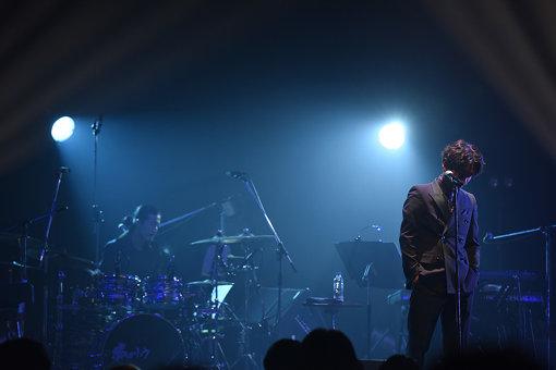 2018年11月17日、渋谷TSUTAYA O-EASTで開催された『清 竜人 ワンマンライブ 2018 秋』の様子(撮影:釘野孝宏)