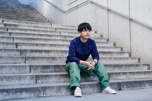 奥山大史(おくやま ひろし)<br>1996年東京生まれ。初監督長編映画『僕はイエス様が嫌い』が、第66回サンセバスチャン国際映画祭の最優秀新人監督賞を史上最年少で受賞。学生時代に監督した短編映画『Tokyo 2001/10/21 22:32~22:41』(主演:大竹しのぶ)は、第23回釜山国際映画祭に正式出品された。