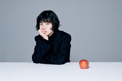 シム・ウンギョン<br>1994年5月31日生まれ。9歳でドラマデビュー。主演として韓国で観客動員740万人を記録した大ヒット映画『サニー永遠の仲間たち』(2011年)、『怪しい彼女』(2014年 / 主演)では韓国で観客動員865万人を記録するなど話題の作品にも多数出演、その後も韓国ドラマ『のだめカンタービレ~ネイルカンタービレ』(2017 / 主演) などで活躍。