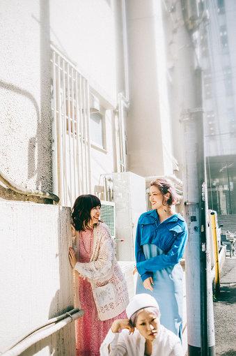 左から:根本宗子、BOW(東京ゲゲゲイ)、MARIE(東京ゲゲゲイ)