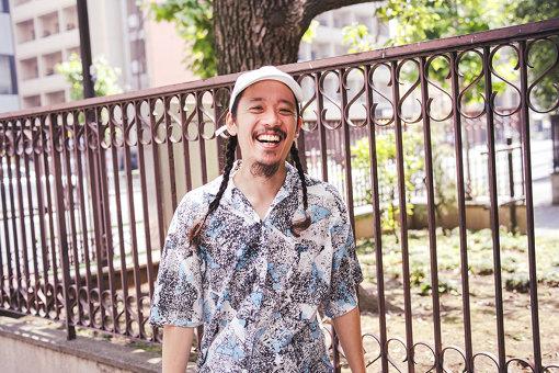 長久允(ながひさ まこと)<br>1984年生まれ、東京都出身。2017年、監督作品『そうして私たちはプールに金魚を、』が『サンダンス国際映画祭』にて日本人初「グランプリ」を受賞。受賞歴に「TCC新人賞」「OCC最高新人賞」「カンヌ国際映画祭ヤングライオンFILM部門シルバー」他。