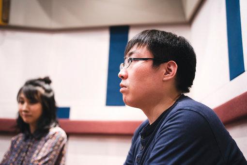 大野大輔(おおの だいすけ)<br>1988年、千葉県生まれ。映画美学校13期フィクションコース初等科修了後、映画制作チーム「楽しい時代」を結成。2016年、監督作『さいなら、BAD SAMURAI』がカナザワ映画祭でグランプリ。2017年、第2作となる『ウルフなシッシー』がTAMA NEWWAVEでグランプリ・最優秀男優賞・最優秀女優賞を受賞。K's cinemaにて単独公開される。続く松本穂香主演のYouTubeドラマ『アストラル・アブノーマル鈴木さん』が好評につきディレクターズ・カットの劇場版として公開された。