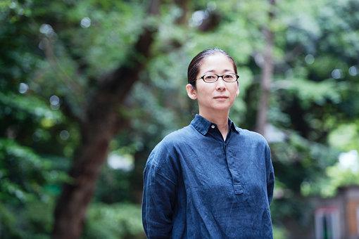 伊庭靖子(いば やすこ)<br>1967年、京都市生まれ。1990年に嵯峨美術短期大学版画科専攻科を修了。1999年にはフランスのモンフランカンにて滞在制作に取り組む。2001~2002年に、文化庁芸術家在外研修員としてアメリカのニューヨークに滞在。現在は京都を拠点に活動している。