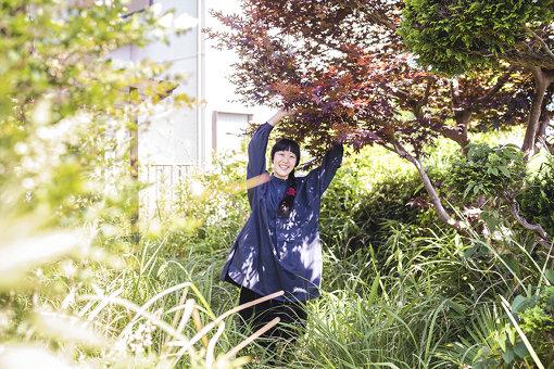 今村文(いまむら ふみ)<br>1982年愛知県生まれ。2008年金沢美術工芸大学大学院美術工芸研究科絵画専攻油画コース修了。愛知県在住。主な活動としては、2015年に芸術植物園(愛知県立美術館)参加。2016年にあいちトリエンナーレ2016参加。