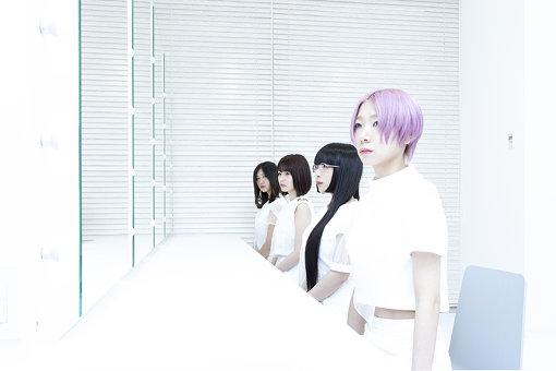 奥から手前:井上唯、矢川葵、和田輪、コショージメグミ